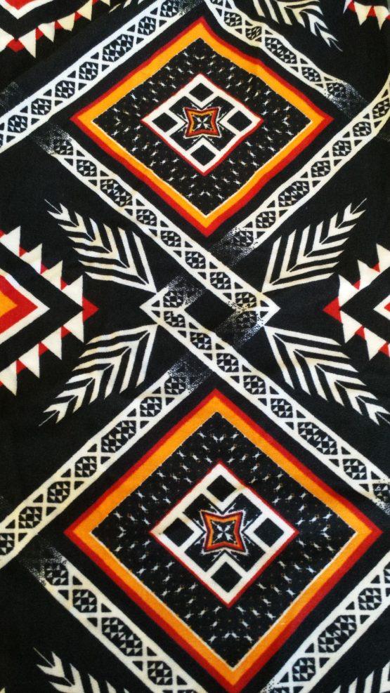 Plus Size Aztec Leggings Print Closeup