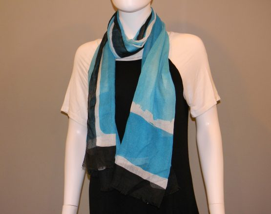 Blue Black and White Scarf Fit