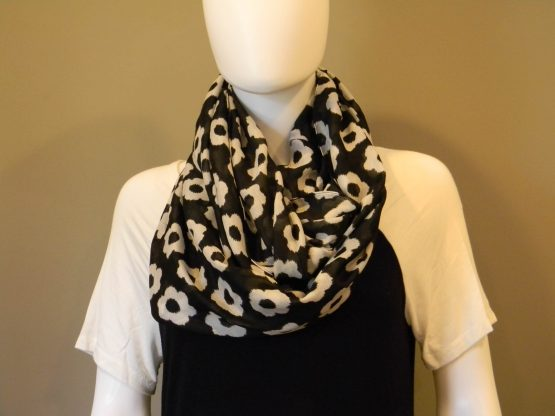 Black and White Infinity Scarf Fit